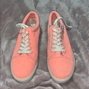 American Eagle light hot pink shoes (11)
